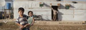 Kits de higiene y letrinas para 3 familias en un asentamiento