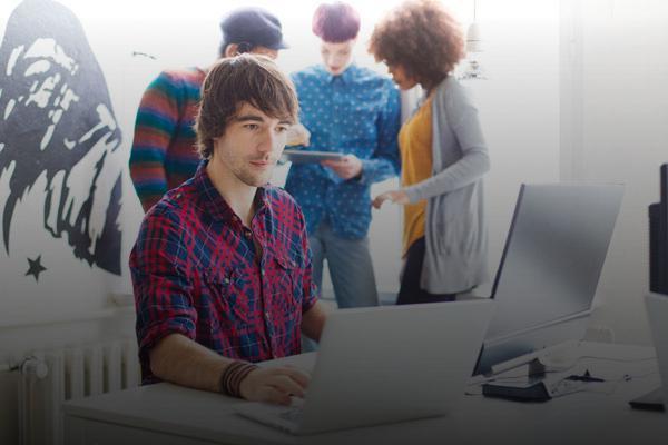 Entrevista en RNE sobre el programa de emprendimiento para jóvenes que ni estudian ni trabajan