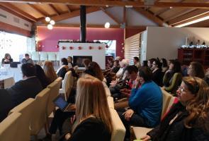 Las mujeres emprenden por oportunidad y crean negocios rentables y sostenibles