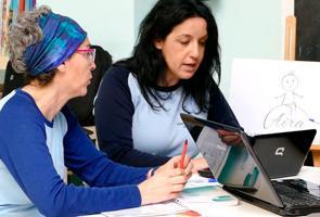 Los jóvenes españoles vuelcan su espíritu emprendedor hacia el cambio social