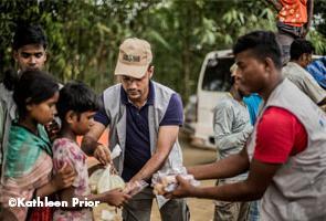 Día Mundial de la Asistencia Humanitaria: presentamos una guía para ayudar más y mejor en conflictos
