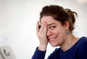 España: las mujeres jóvenes, las más afectadas laboralmente por la COVID-19