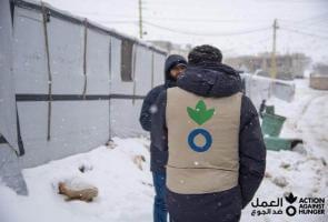 """Líbano: 30 000 refugiados sirios afectados por la tormenta de nieve """"Karim"""""""