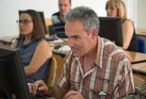 España: una guía para que las empresas favorezcan el empleo de mayores de 45