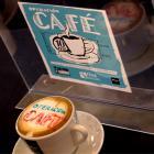 Leo Harlem te invita a un café cargado de solidaridad