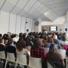 Reunimos  a un centenar de personas desempleadas en Santiago para encontrar empleo