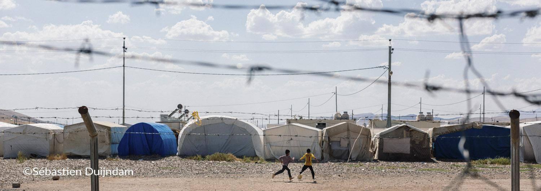 Cientos de miles de personas están en riesgo debido a la suspensión del trabajo humanitario y al abandono de la zona, donde se centra la incursión turca, de los trabajadores humanitarios.