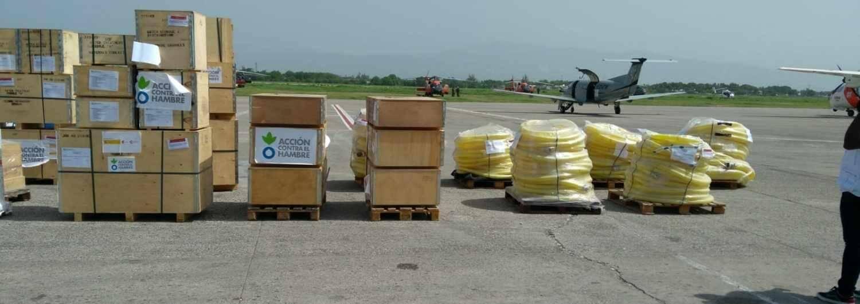 Llegada de material humanitario a Puerto Príncipe