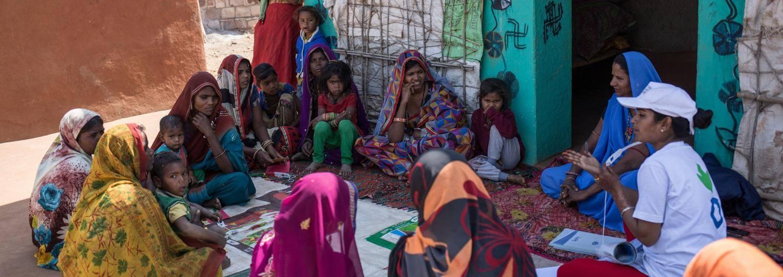 Madre, niños, India, desnutrición