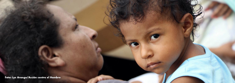 uan, con 2 años, ha aprendido a caminar en uno de nuestros Espacios Amigables para madres y niños en Ecuador.