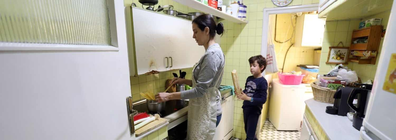Muchas familias no pueden permitirse comer carne, pollo o pescado cada dos días.